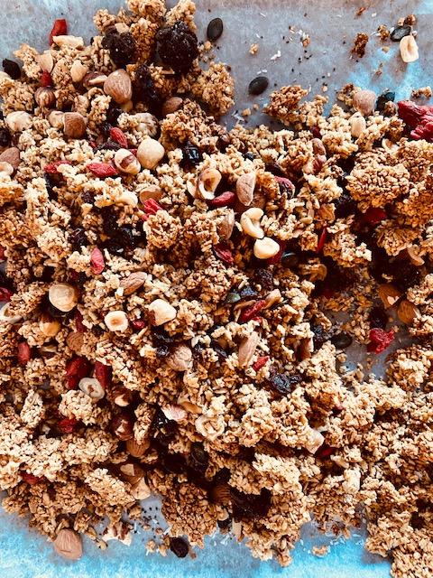 Domača granola iz svežih ovsenih kosmičev